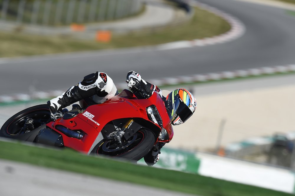 ducati 1299 panigale review -