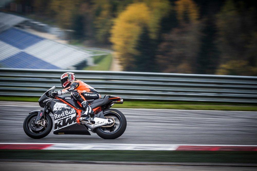 129886_Alex Hofmann KTM RC16 Spielberg 2015
