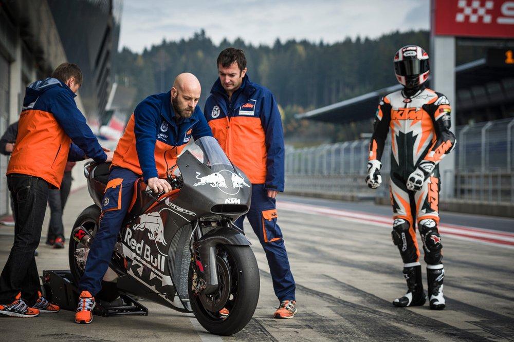 129900_Alex Hofmann KTM RC16 Spielberg 2015
